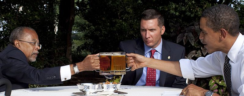 """President Obama, Professor Henry Louis Gates Jr. and Cambridge, Mass., Police Sgt. James Crowley at their """"Beer Summit""""in the White House Rose Garden on July 30, 2009. (Credit: Pete Souza/White House)"""